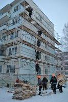 На фото: работы по устройству вентилируемых фасадов