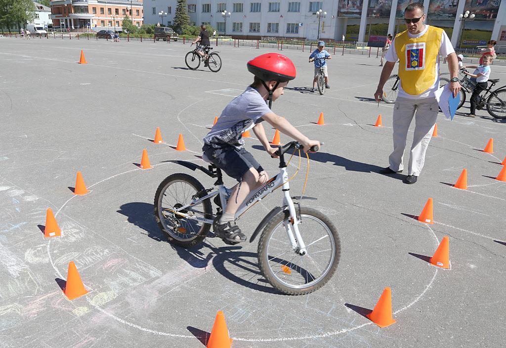 Конкурсы по фигурному вождению