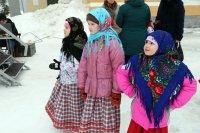 В Мирном отпраздновали Масленицу: горячими блинами и оладьями прогнали зиму!