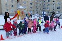 Зимние забавы во дворе