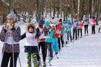 На лыжне – школьники