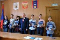 Паспорт России в День космонавтики