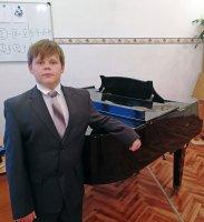 Ученик школы искусств Мирного Максим Мальцев прошел отбор в Детский хор России