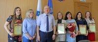 Специалисты отделения социальной защиты населения по городу Мирному отметили профессиональный праздник